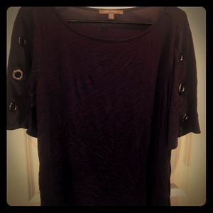 Navy blue key hole arm top from suzy shier